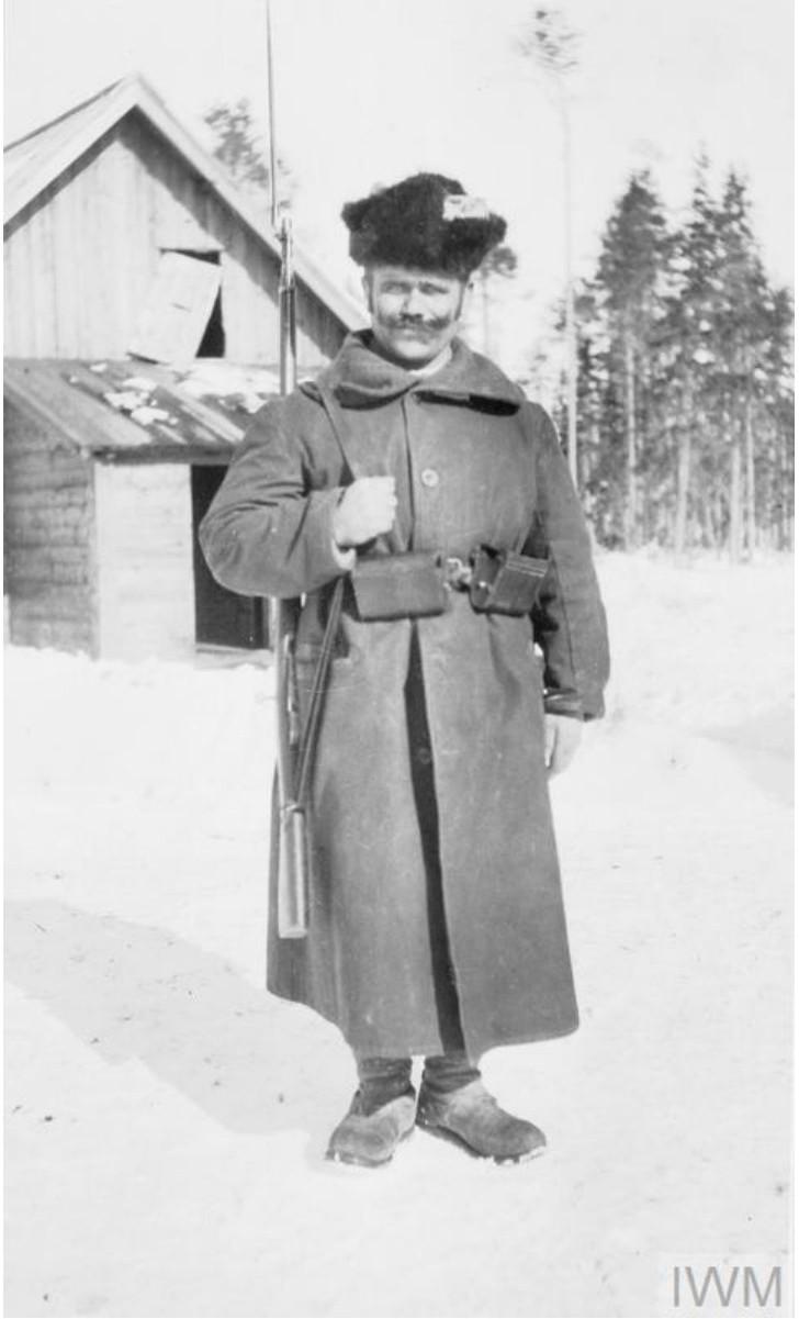 Русский солдат в карауле