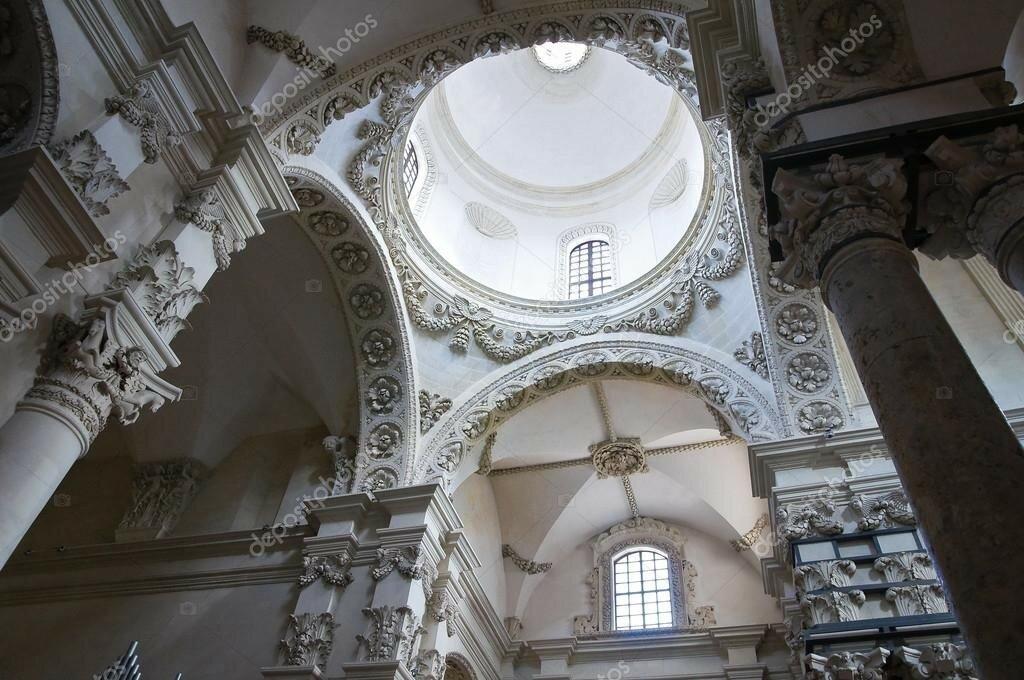 depositphotos_10880092-stock-photo-santa-croce-basilica-lecce-puglia.jpg