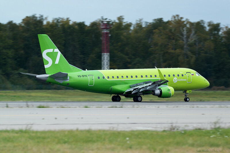 Embraer 170-100SU (VQ-BYK) S7 0303_D805632