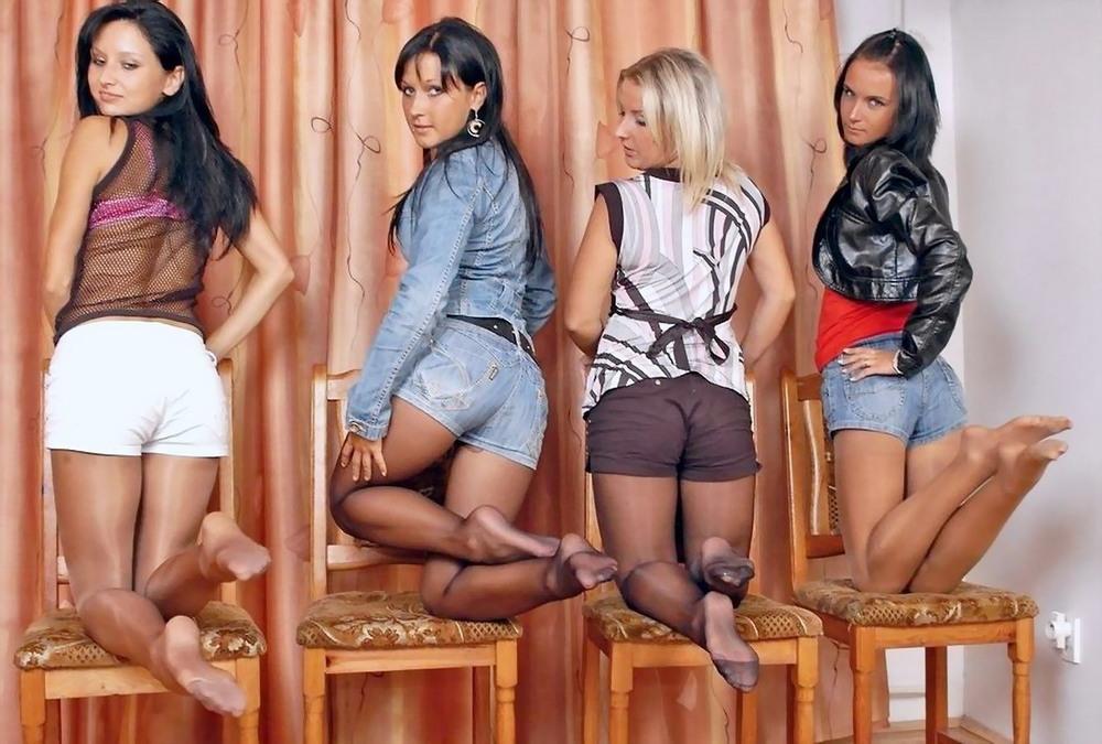 Сексуальные девушки в колготках и чулках