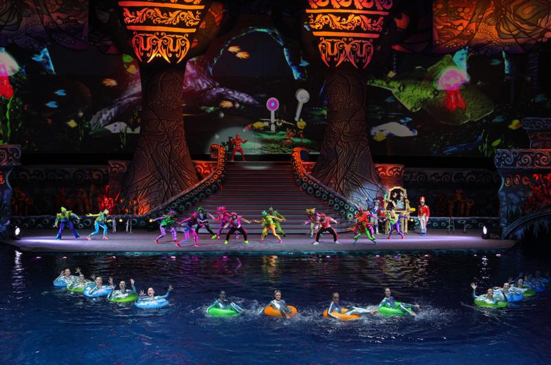 Цирковое водное шоу «Пираты подземного моря» (1 фото)