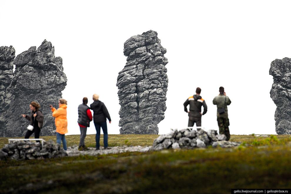23. Удивительно, но есть сторонники версии рукотворного происхождения каменных столбов: якобы в древ