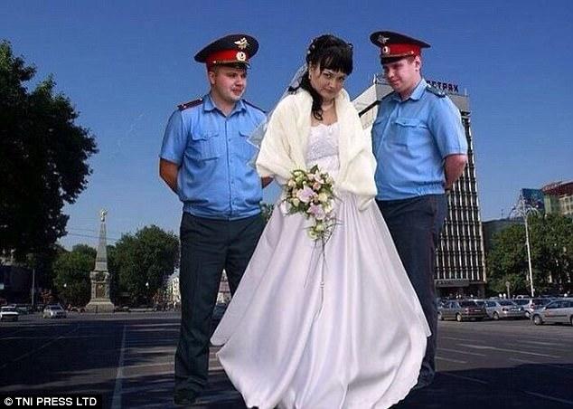 Невеста любит мужчин в форме.