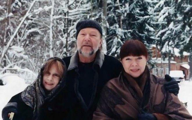 С Владимиром Лия наконец-то обрела семейное счастье. Муж окружил Ахеджакову той заботой, которой она