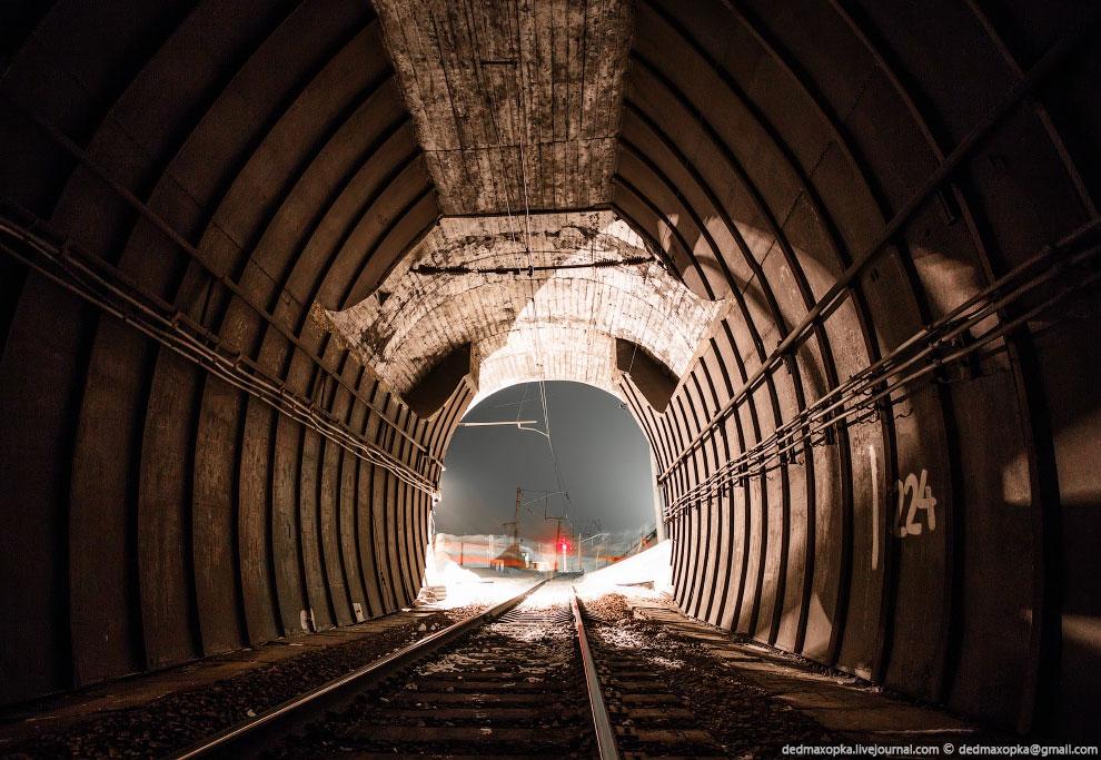 А это новый Крольский тоннель и тот самый мостик слева: