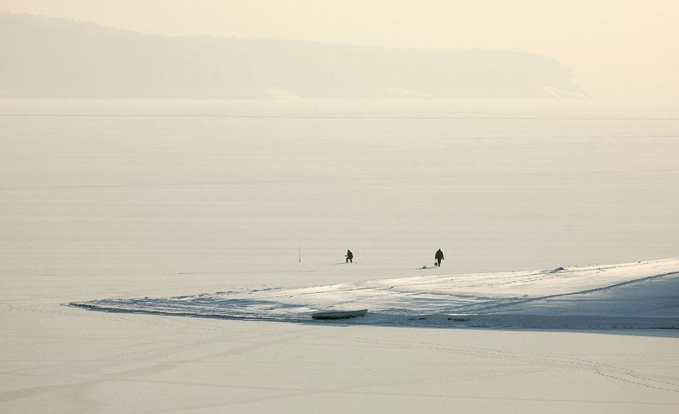 По замерзшим участкам реки можно походить зимой, 4 февраля 2013: