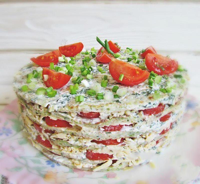 Красивый и очень сытный кабачковый торт украсит любой стол. А его необычный вкус, притягательный вне