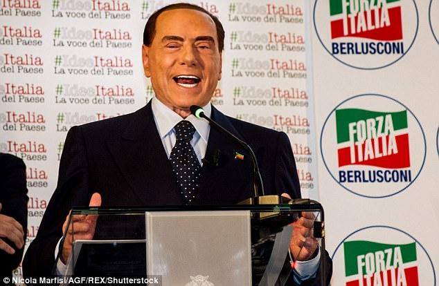 Краше в гроб кладут: Сильвио Берлускони стал похож на восковую фигуру (8 фото)