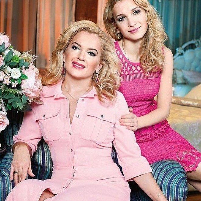 Старшая Полина Впрочем, ранее в интервью Порошина признавалась, что не против родить еще одного ребе