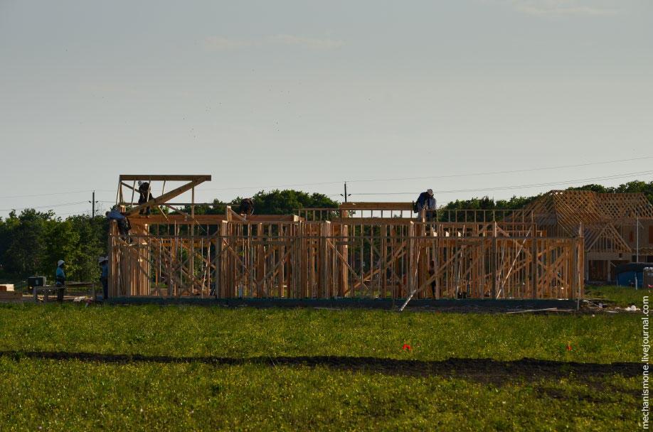 23. Все несущие конструкции дома собраны из дерева, обычно используют доски 15×5, 20×7 см.