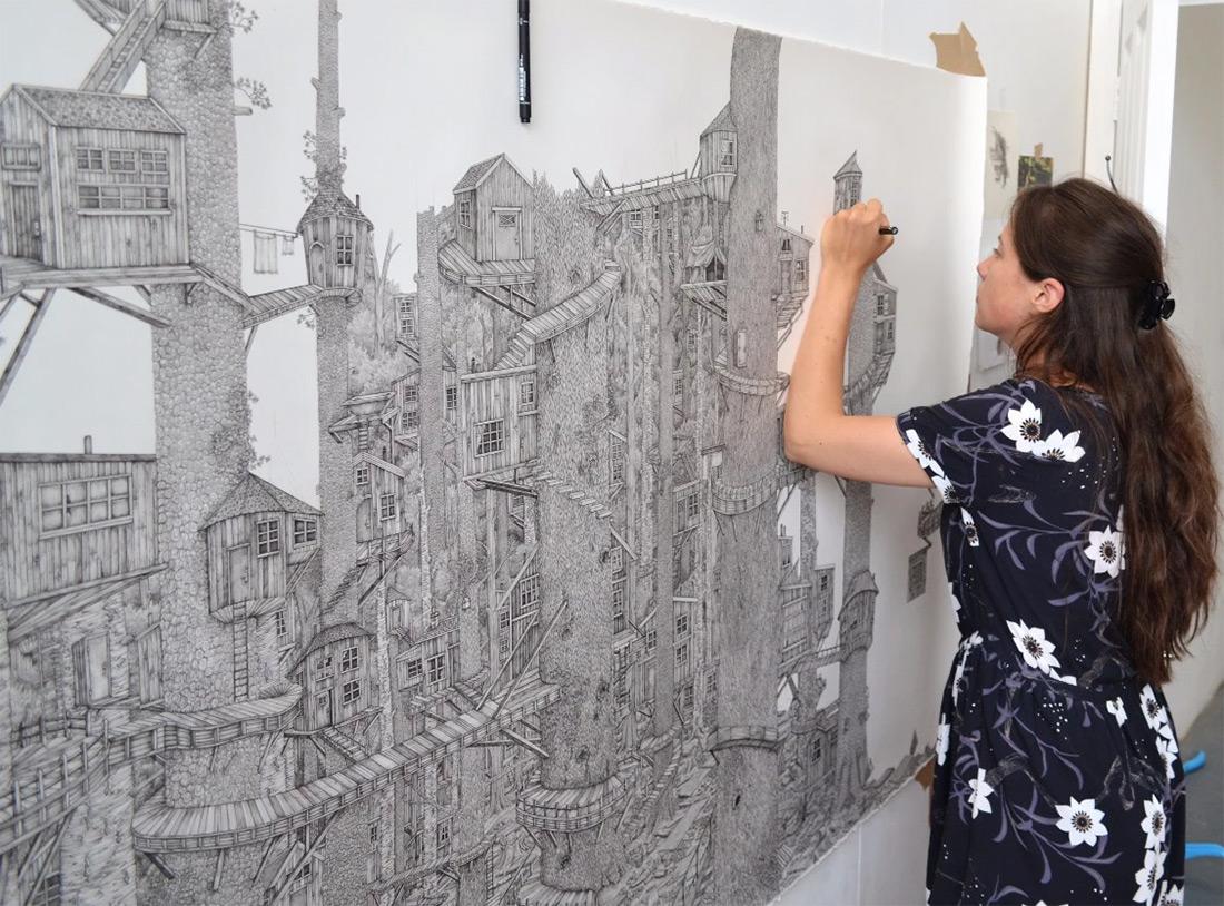 Целый мир на бумаге: британка создает невероятные пейзажи обычной ручкой (9 фото)