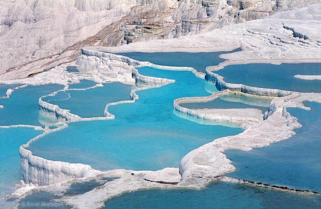 Термальные источники и белые травертины в Памуккале