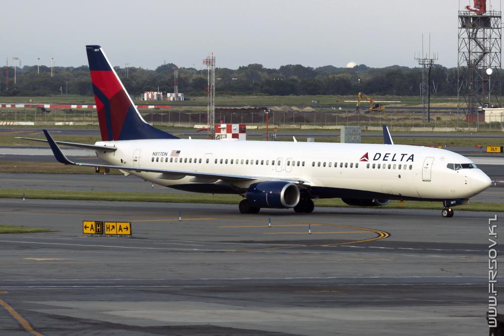 B-737_N817DN_Delta_Air_Lines_1_JFK_resize (2).jpg