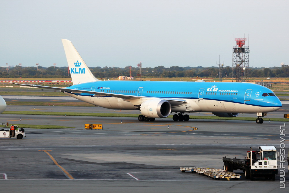 B-787_PH-BHH_KLM_1_JFK_resize (2).jpg