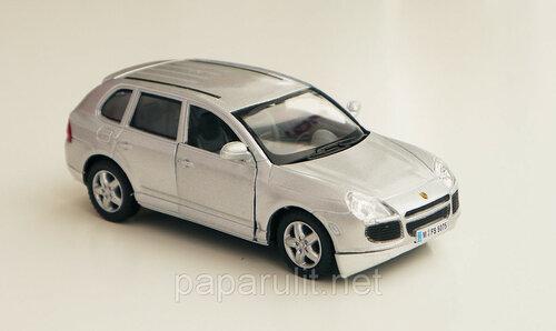 Kinsmart Porsche Cayenne Turbo
