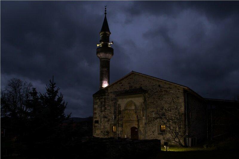 Мечеть Узбека (ночью)