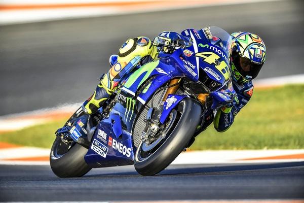 Тесты в Валенсии: Валентино Росси сфокусировался на испытаниях двигателя