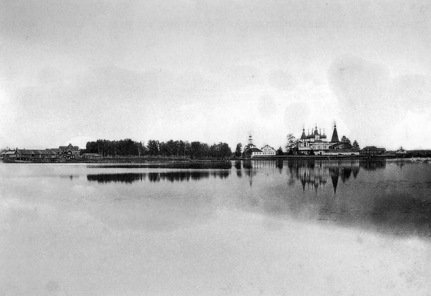 Окрестности Холмогор. Вид Антониево-Сийского монастыря