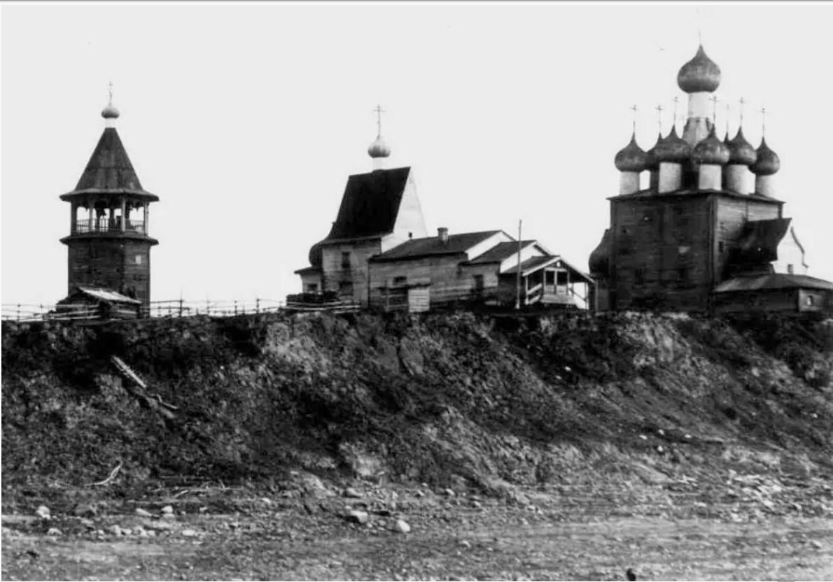 Окрестности Холмогор. Чухчерьма. Васильевская и Ильинская церкви