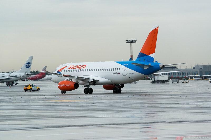 Sukhoi Superjet 100-95LR (RA-89079) Азимут 0064_D804598