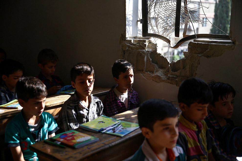 11. Временная школа на юге Сирии, 10 ноября 2016. (Фото Mohamad Abazeed):