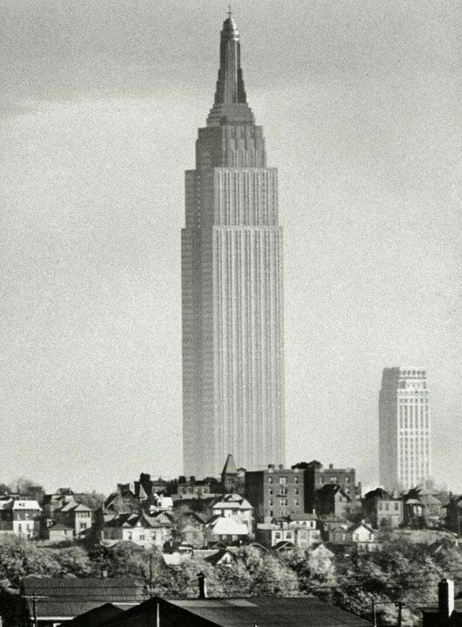 Толпа на Таймс-сквер празднует капитуляцию Германии, Нью-Йорк, 7 мая 1945 года.
