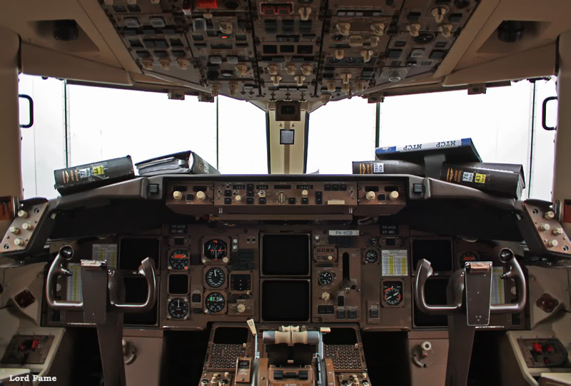 B-767-306_P4-KCB_Air-Astana_12_ALA.JPG