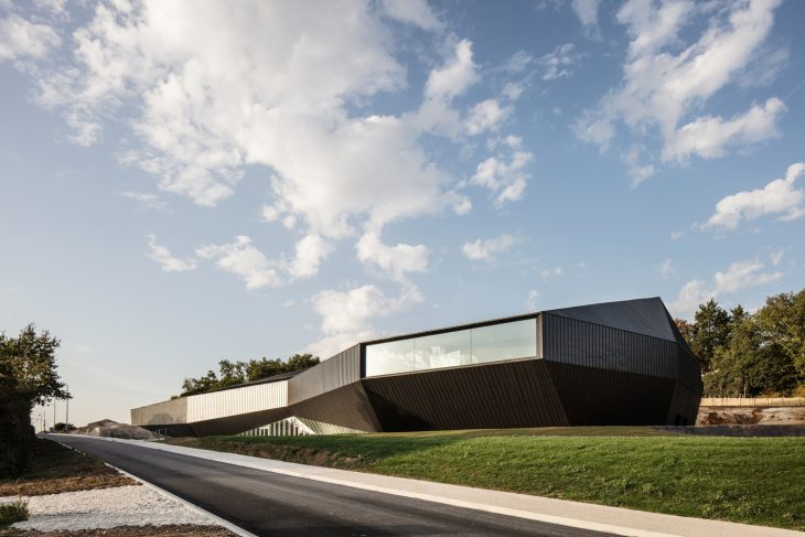 Congress Center of The Haute Saintonge by TETRARC