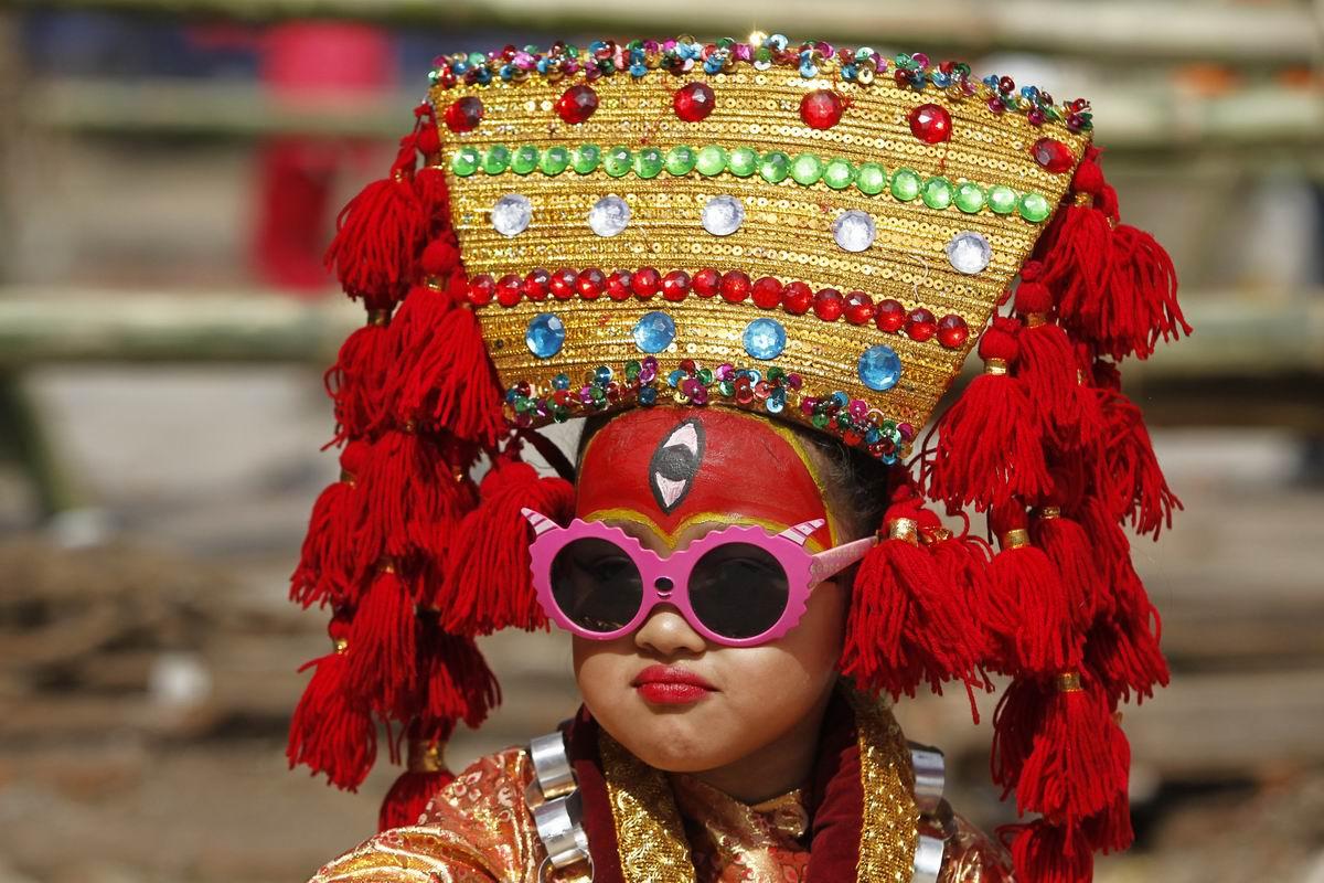 Принцесса или королевна? - Простая непальская красавица!