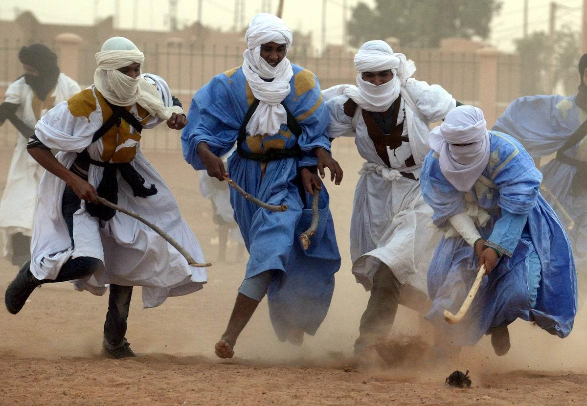Тяжелый бой ведет ледовая дружина!: Даешь арабский пустынный хоккей
