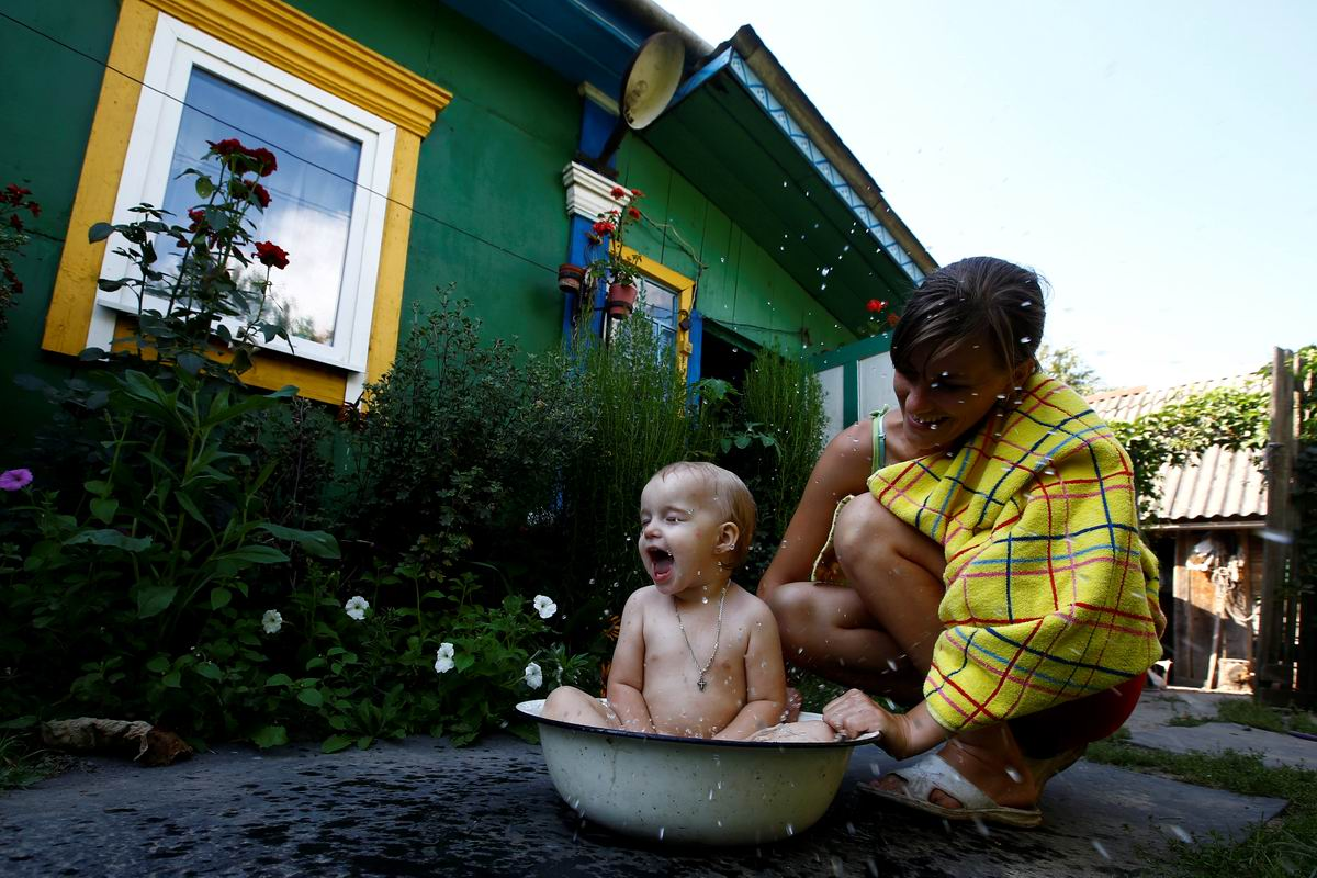 А мы тут ванны принимаем: Хорошо в деревне летом