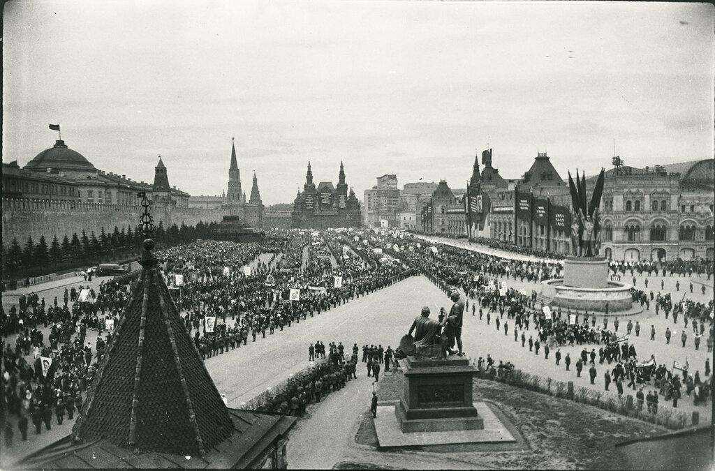 558791 Демонстрация на Красной площади.jpg