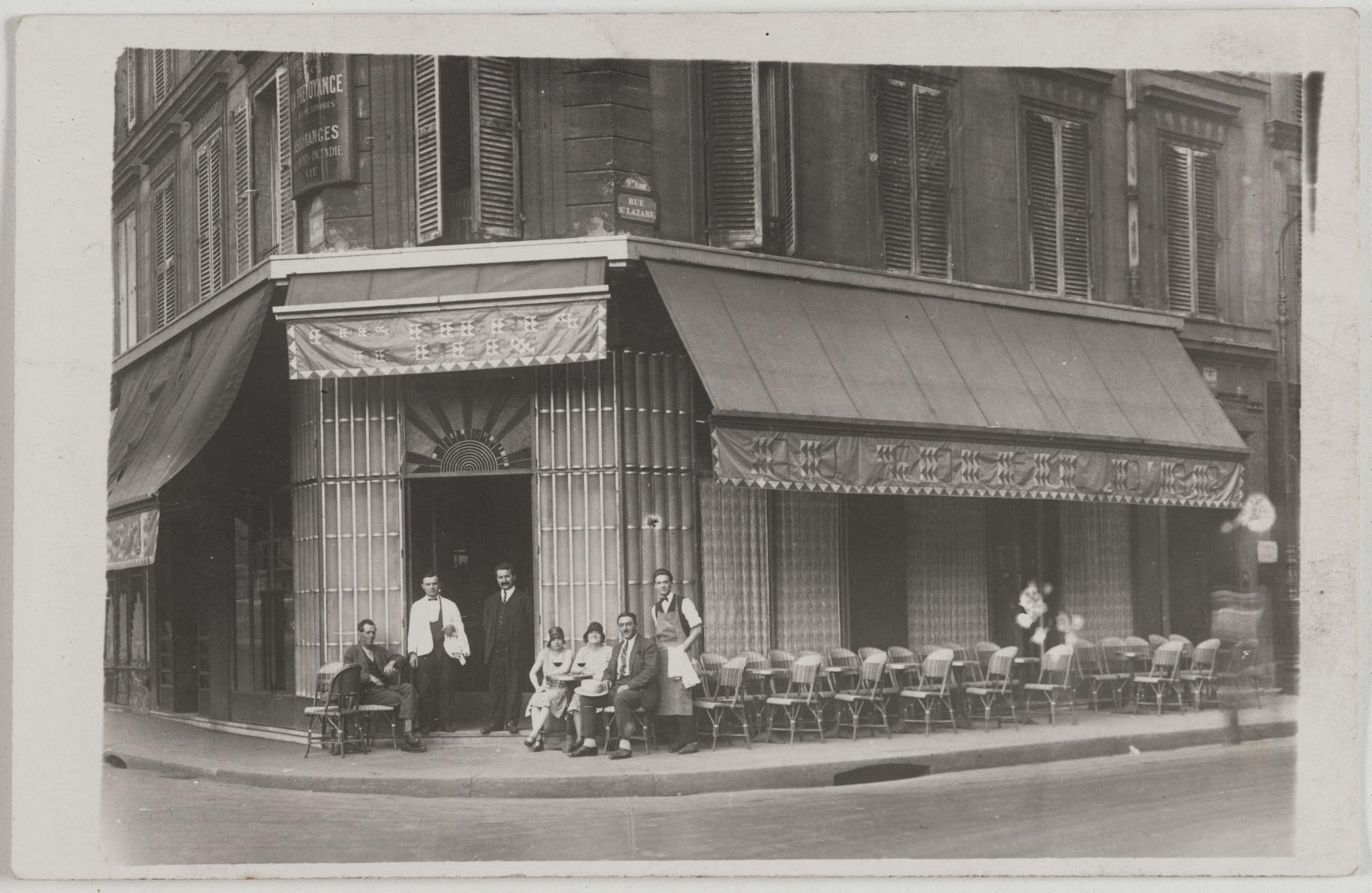 1920-1935. Ресторан «Ле Солей д Ор» 66, rue Saint-Lazare и 2, rue Blanche (9-й округ). Сейчас на этом месте кредитная компания