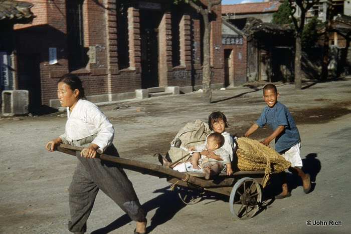 Color Photographs of Korean War in the 1950's (16).jpg