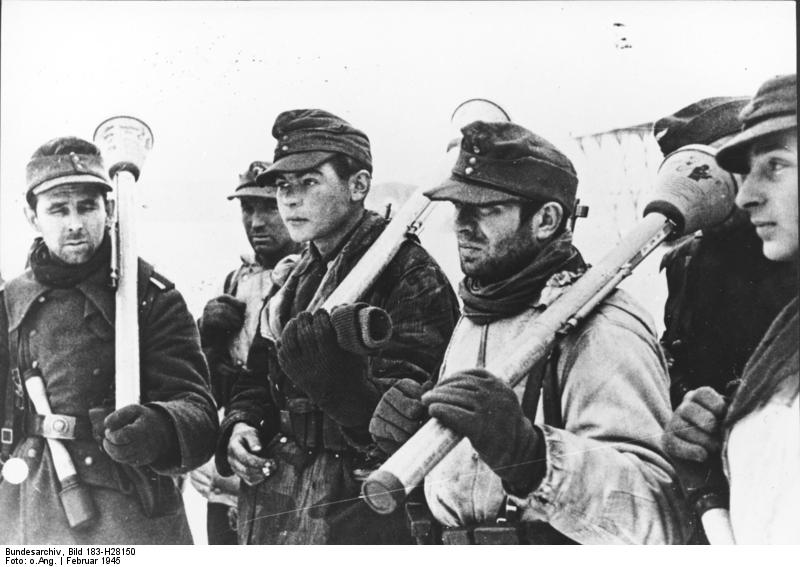 Deutsche Soldaten mit Panzerfдusten