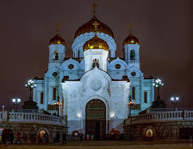 Кафедральный соборный Храм Христа Спасителя и Преображенская церковь храма Христа Спасителя