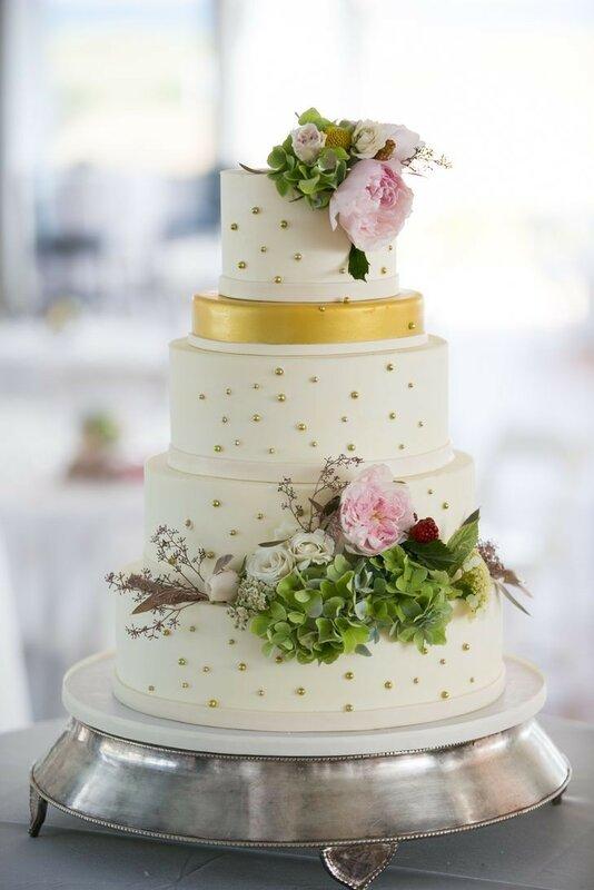 0 178309 1477bf40 XL - Красивейшие свадебные торты сезона 2017-2018