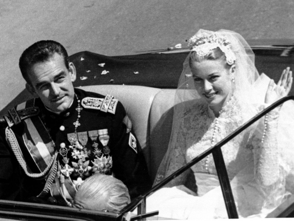 Грейс Келли , княгиня Монако   Грейс Келли начала актерскую карьеру в 1950 год