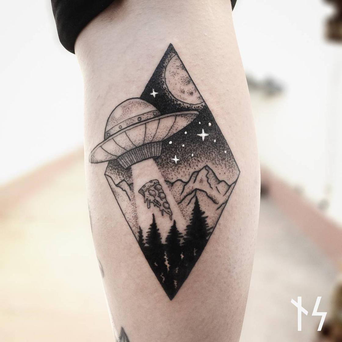 Looking for the stars – The cosmic tattoos of Nik Square