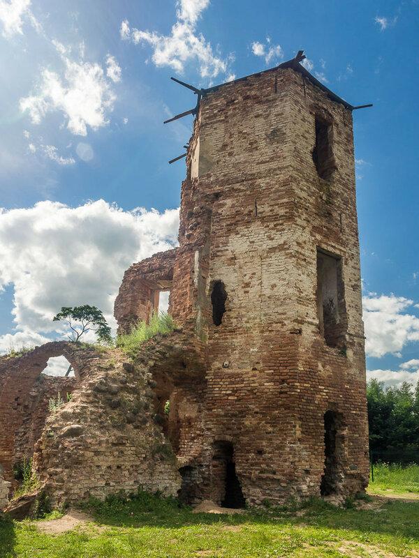 Во время Северной войны замок был частично повреждён, но часть его оставалась жилой.