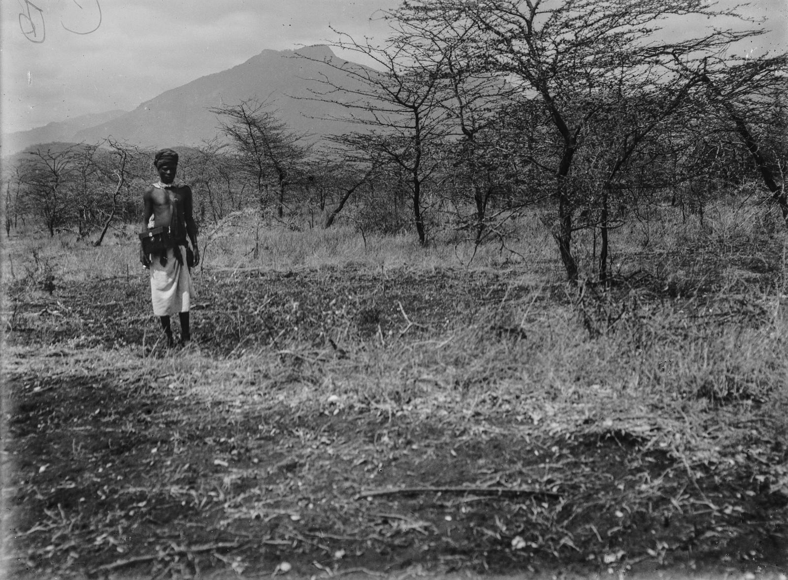 253. Портрет мужчины в степях гор Паре