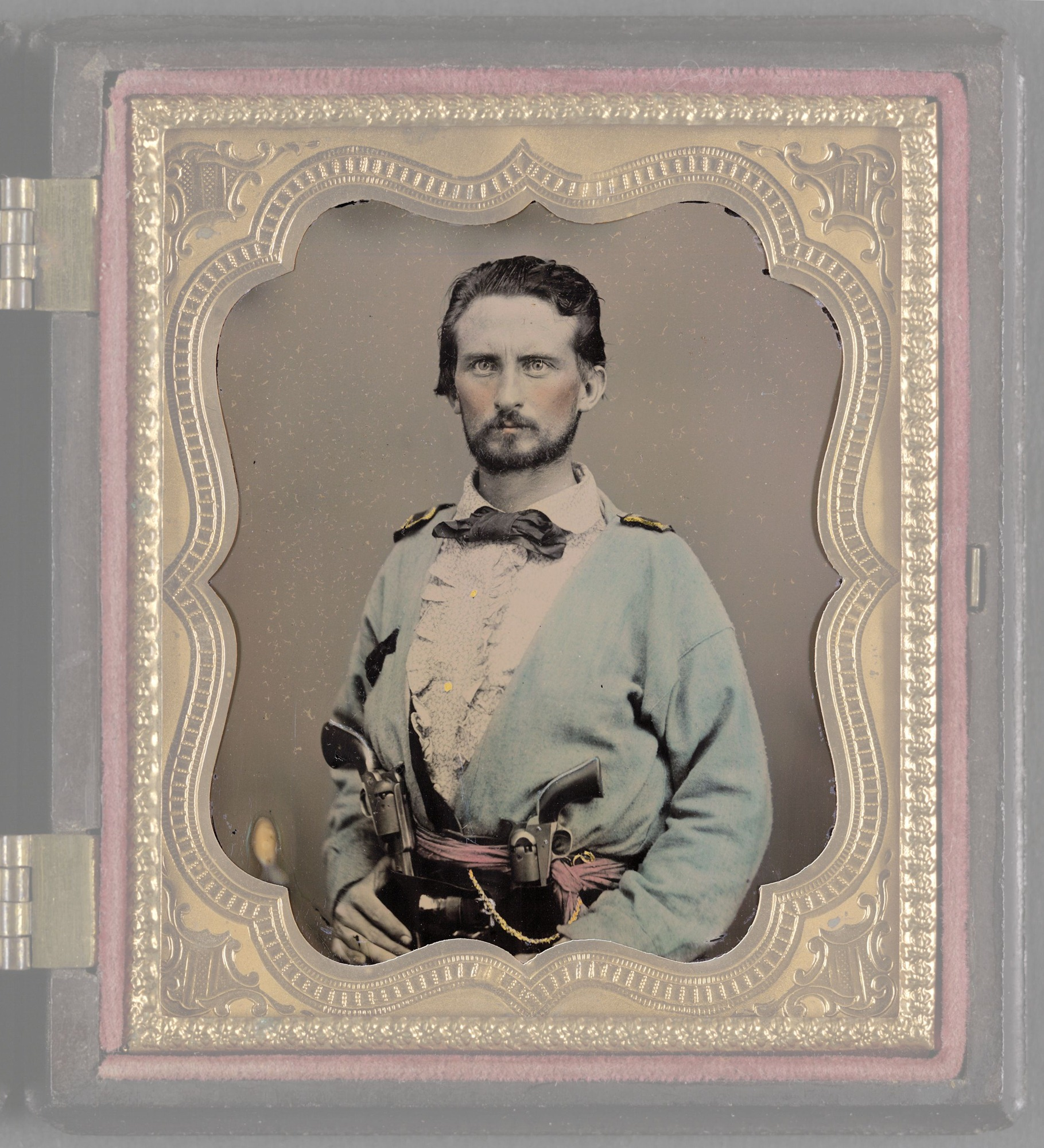 Unidentified-soldier-from-Kentucky-in-Confederate-uniform-with-two-revolvers.jpg