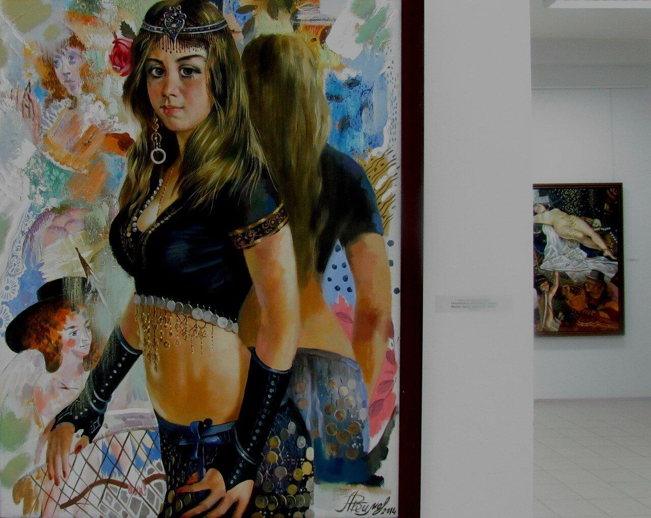владимир акимов.танцовщица восточных танцев мария перед зеркалом2.jpg