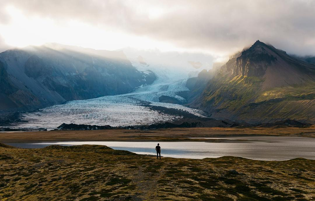 Красивые снимки из путешествий Колби Мура