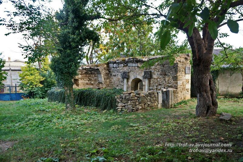 Руины церкви Успения Божией матери, Старый Крым