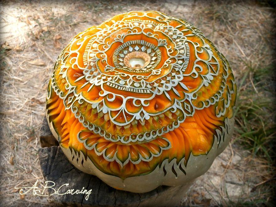 15-Alternative-Halloween-Pumpkins-carved-by-master-Angel-Boraliev-59ed98b3a2c69__880.jpg