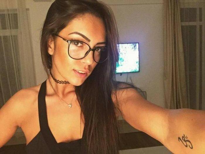 0 17a76d 6c2fb70 XL - Красивые девушки в очках: фото