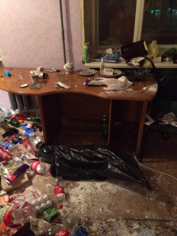 Молодежная вписка: реки алкоголя, заблеванные полы, разрушенные квартиры