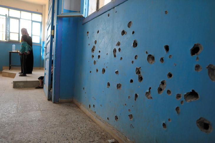 2. Во многих городах дорога в школу выглядит во так. (Фото Mohamad Abazeed):