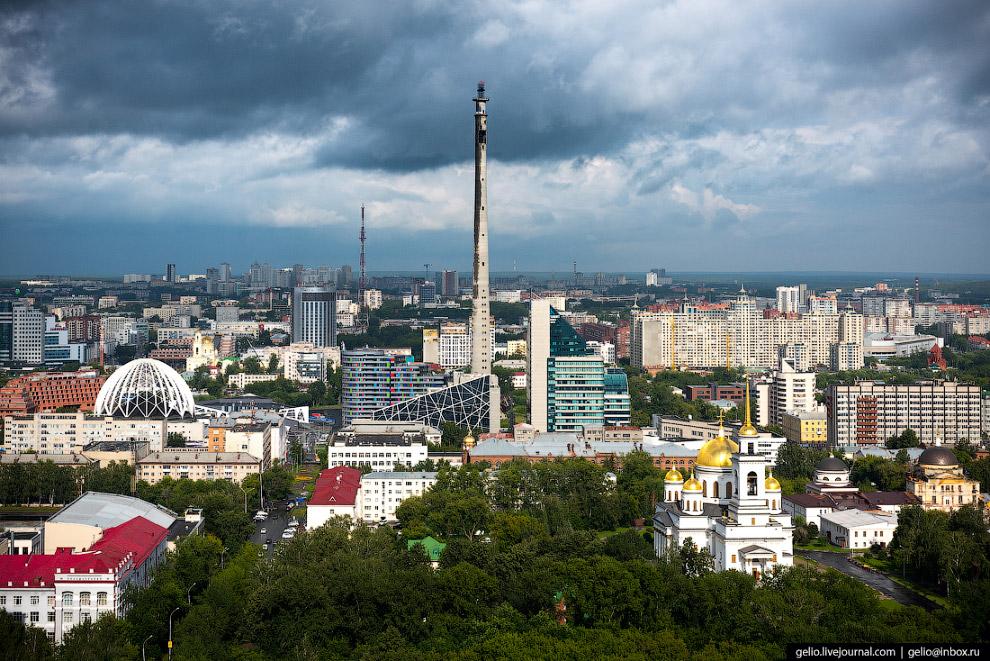 59.  Александро-Невский собор  на территории одного из крупнейших в России Ново-Тихви